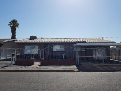 Property For Sale in Churchill Estate (Parow West), Parow