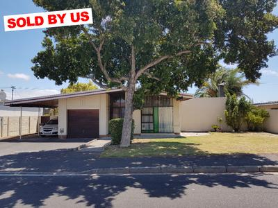 Property For Sale in Churchill Estate - Parow West, Parow